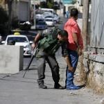 الاحتلال الإسرائيلى يدرس سحب إقامة المقدسيين ردًا على