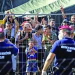 انتقادات حقوقية للمجر بسبب حجز طالبي اللجوء في مراكز تشبه السجون