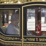 فيديو  في عيد الميلاد.. الملكة إليزابيث: الأمل كالنور يهزم الظلام