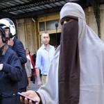 دول أفريقيا الغربية تمنع ارتداء النقاب