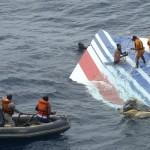 أستراليا تفحص ثلاث قطع جديدة من حطام يعتقد أنه لطائرة ماليزية مفقودة
