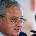 وزير السياحة المصري يحذر من خسائر في القطاع