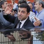استمرار حبس رئيس حزب الشعوب الديمقراطي في تركيا