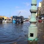 طوارئ في محافظات مصرية تحسبا لموجة أمطار شديدة.. والسيول في الطريق لشمال سيناء