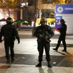 الجارديان: العثور على جوازات سفر لفرنسي ومصري وسوري بين منفذي تفجيرات باريس