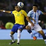 الأرجنتين تتعادل مع البرازيل وتبقي بلا فوز في تصفيات كأس العالم