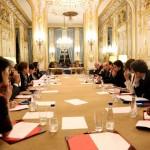 فالس: فرنسا لم تتلق أي طلب من زعماء العالم بتأجيل مؤتمر المناخ