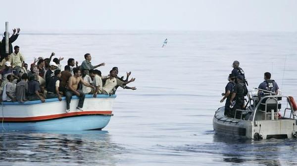 إيطاليا تنقذ 782 مهاجرا في 8 عمليات إغاثة