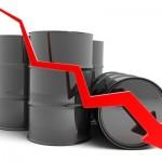 النفط ينخفض بفعل المخاوف بشأن وفرة الإمدادات