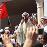تونس.. جدل سياسي حول اختيار المصلين للإمام!