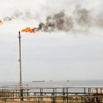 حكومة ليبيا المعترف بها توقع اتفاقا نفطيا مع مصر