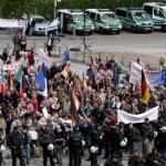 الآلاف يشاركون في تظاهرة تنادي بالديمقراطية في بولندا