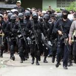 ضبط 9 إندونسيين يخططون لهجمات إرهابية بتمويل من
