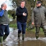 فيضانات بريطانيا تستدعي