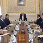 مصر.. الحكومة توافق على طلب البرلمان بتوفير 4 مليارات جنيه زيادة في مرتبات الموظفين