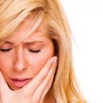 فيديو| 3 أسباب وراء رائحة الفم الكريهة