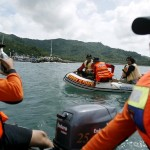 إنقاذ العشرات من الغرق بعد قفزهم من عبارة إندونيسية