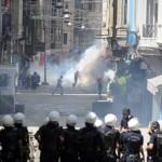 حرب شوارع بين المقاتلين الأكراد والشرطة التركية