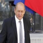 روسيا وفرنسا تبحثان الحرب على