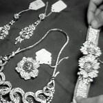 أين ذهبت المجوهرات الملكية بعد ثورة 52؟