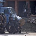 مقتل أربعة متظاهرين في كشمير بعد مصرع زعيم المتمردين