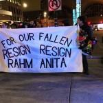 محتجون يطالبون باستقالة رئيس بلدية شيكاغو