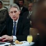 بريطانيا تشكك في جدية الانسحاب الروسي من سوريا