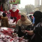 صور  المصريون يحتفلون بـ