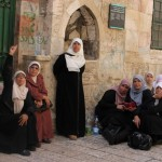 في «يوم المرأة العالمي».. الفلسطينيات يشكلن نصف المجتمع
