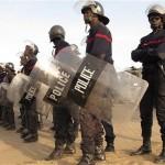 شرطة السنغال تطلق قنابل الغاز على محتجين على اقتراح بتعديل الدستور