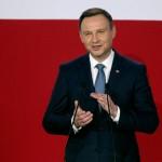 الرئيس البولندي يوقع قانونا يعدل صلاحيات المحكمة الدستورية
