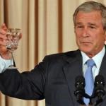 بوش يحتفل بعيد ميلاده السبعين مع إصدار تقرير حول حرب العراق