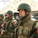 الجيش التركي يعتقل 10 من عناصر «داعش» قرب سوريا