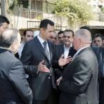 الأسد يشارك في إحياء ذكرى المولد النبوي بدمشق