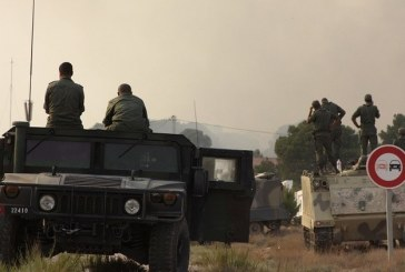 إصابة 3 عسكريين تونسيين في اشتباكات مع مسلحين