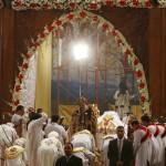 فيديو| المسيحيون يتوافدون على الكنائس المصرية لحضور قداس عيد القيامة
