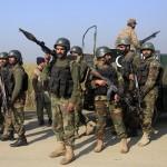 مقتل 8 مسلحين ورجلي أمن في اشتباكات مع الجيش الباكستاني
