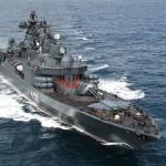 الحوثيون يستهدفون سفينة حربية أمريكية في البحر الأحمر