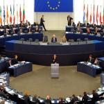 وارسو تتهم «تيمرمانس» بعرقلة تسوية خلافها مع الاتحاد الأوروبي