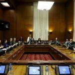 الهجوم على حلب يلقي بظلاله على محادثات جنيف