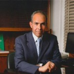 رئيس «الأهرام» يحذر من «التضخم» ويهاجم سياسات «المركزي» تجاه الدولار