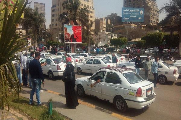 الحكومة المصرية تقنن «أوبر» و«كريم» خلال شهر