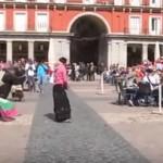 غضب إسباني بعد إهانة مشجعي أيندهوفن لمتسولين في مدريد
