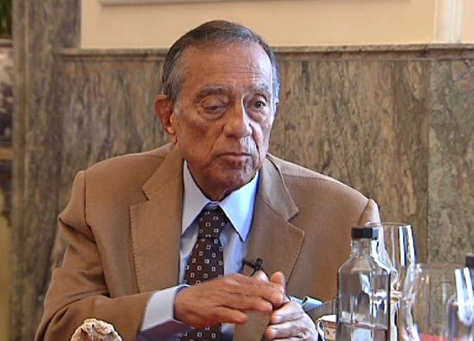 فيديو  الأزمة الاقتصادية دفعت مصر للتصالح مع حسين سالم