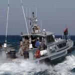خفر السواحل الليبي يحتجز 113 مهاجرا أثناء هدوء نسبي في القتال