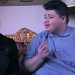 فيديو| «دياب يوسف» يرصد معاناة «السمنة» في فيديوهات كوميدية