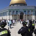 مستوطنون يقتحمون المسجد الأقصى بحماية من جنود الاحتلال