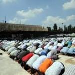 «حماس» تدين قرار الاحتلال منع الفلسطينيين من الصلاة في المسجد الأقصى