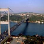 استئناف الحركة على جسر البوسفور بعد غلقه لمخاوف أمنية