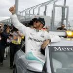 هاميلتون سائق مرسيدس أول المنطلقين في «استراليا للسيارات»